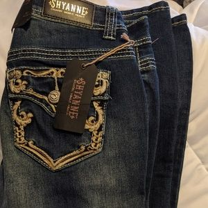 Brand new Sheyanne mid-rise ankle fit jeans